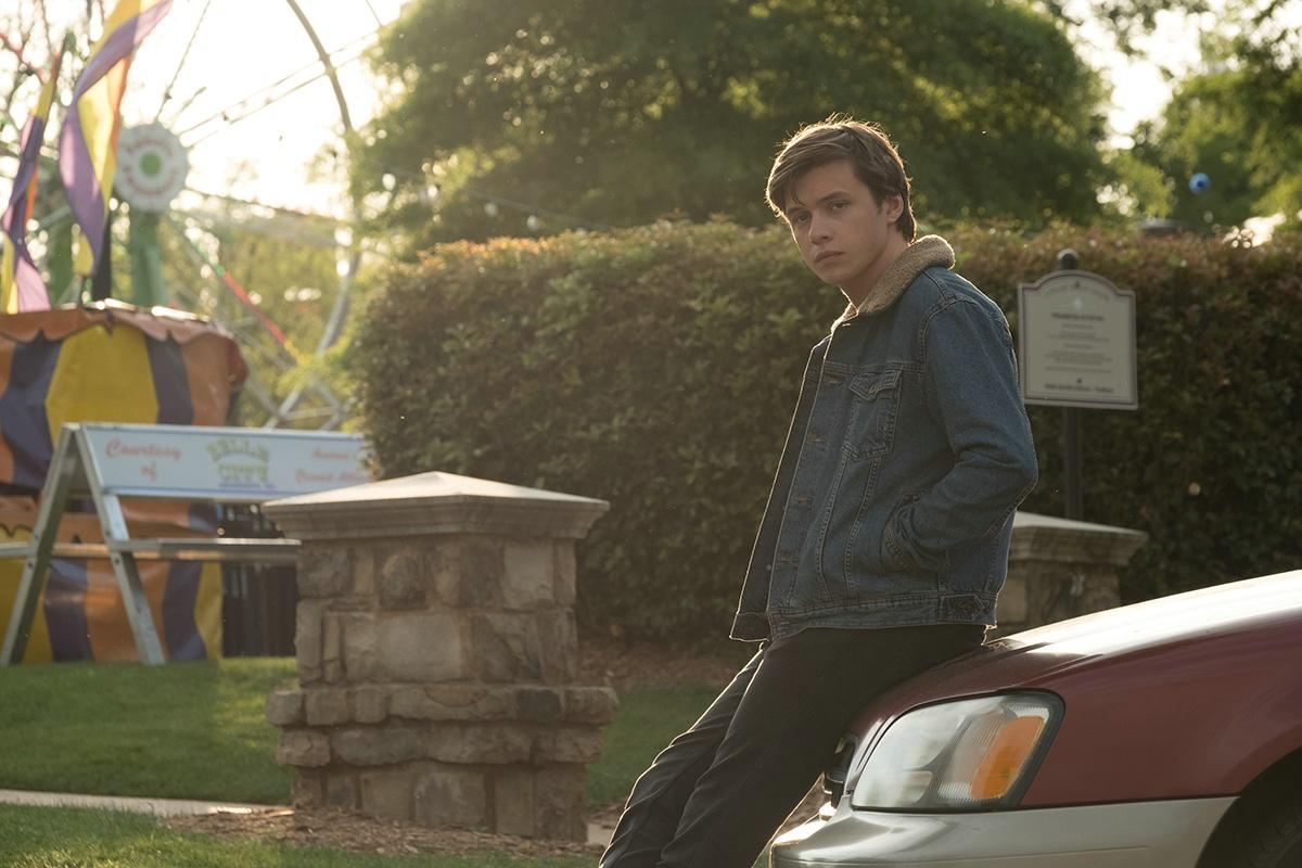 "Nick Robinson als Simon im Film ""Love, Simon"""